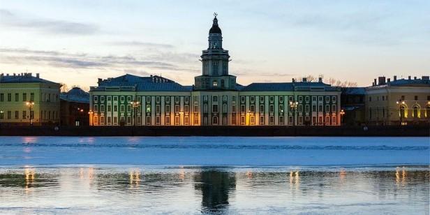 El-Museo-Kunstkámera-San-Petersburgo-800x400